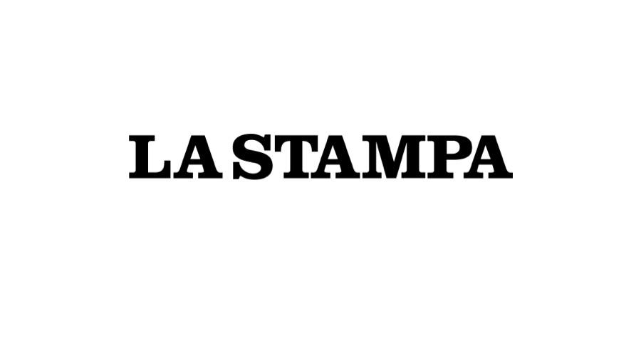 """La Stampa, Febbraio 2020 – L'azienda di Galliate riprende la produzione di tute e mascherine dismessa 15 anni fa: """"Abbiamo riattivato due linee"""""""